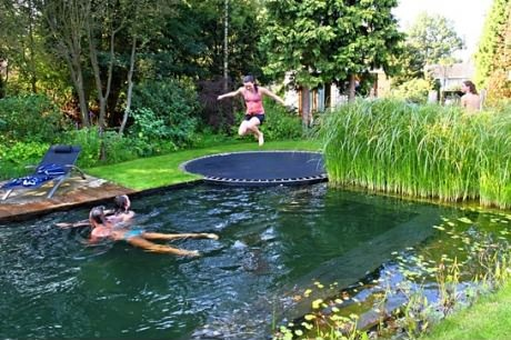 pool trampolin